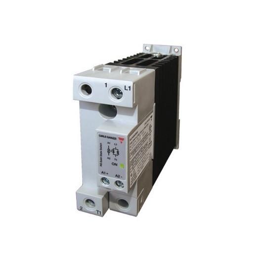 Relé de estado sólido, monofásico con disipador, Intensidad nominal 40A, tensión nominal 600 VAC, alimentación DC, RGC1A60D40K